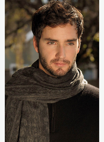 This guy. Not even that scarf and those eyes could persuade me to read that whole book.