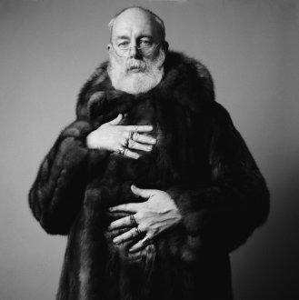 edward-gorey-portrait-fur