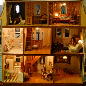 ARTIST SPOTLIGHT: Dollhouse (& Doll!) Maker Elfi Frequin-Mckown