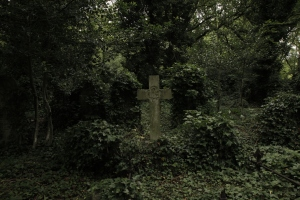 cross-grave-London