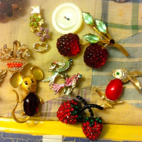 It's Not Dead Yet: Plan Ahead for Novelty Brooch Friday, Ladies!