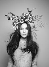 Monica Bellucci, Luna Luna's resident goddess