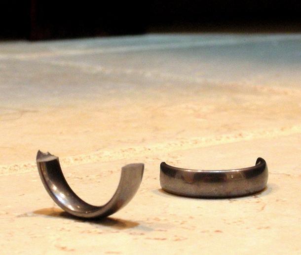 broken_wedding_ring