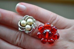 pearl-rhinestone-goldtone-red-glass-bead-vintage-ring