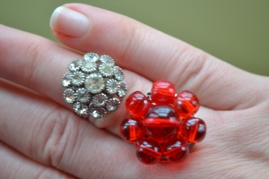 rhinestone-red-glass-beads-vintage-ring-giveaway