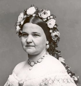 Mary Todd Lincoln, crowned