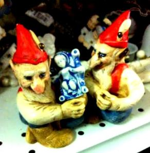 damned-elves-stole-jesus-creepy-vintage-christmas-crap