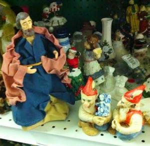 joseph-finds-jesus-elves-creepy-vintage-christmas-crap