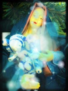 mary-reunited-jesus-glow-creepy-vintage-christmas-crap