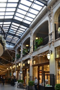 grove-arcade-interior-christmas